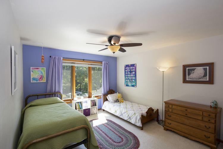 Bedroom Photo #20
