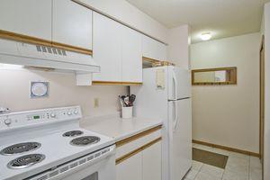 Kitchen957 PARK ST #101 Photo 11