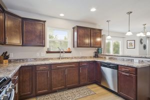 Kitchen610 Meadowview Ln Photo 11