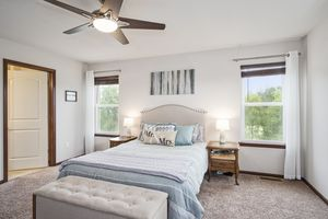 Master Bedroom610 Meadowview Ln Photo 17