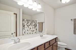 Master Bathroom610 Meadowview Ln Photo 20