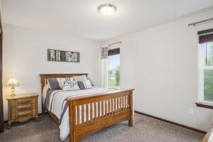 Bedroom 3610 Meadowview Ln Photo 25