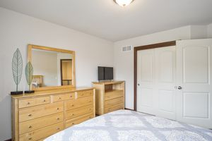 Bedroom 4610 Meadowview Ln Photo 27