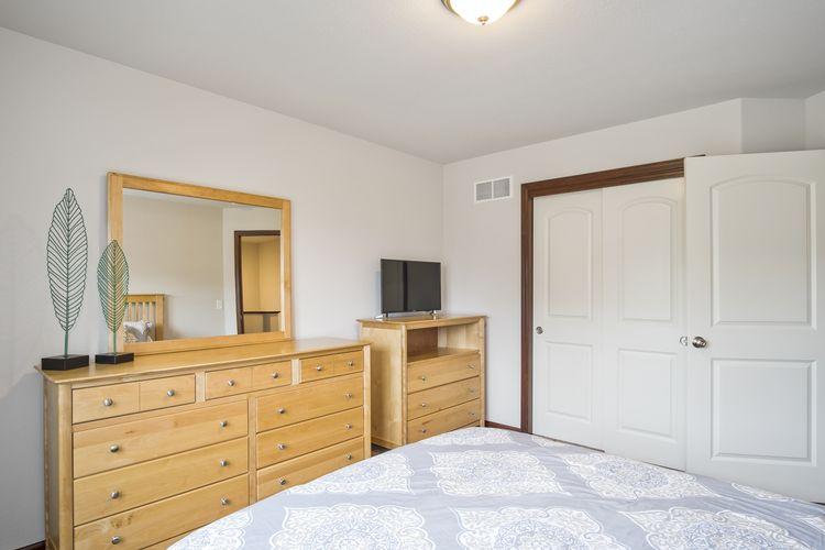 Bedroom 4 Photo #27