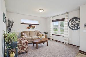 Flex Room610 Meadowview Ln Photo 4