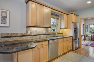 Kitchen6748 Phil Lewis Way Photo 16