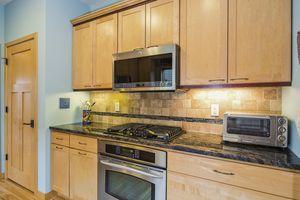 Kitchen6748 Phil Lewis Way Photo 17