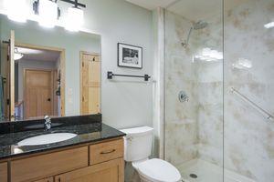 Bathroom6748 Phil Lewis Way Photo 27