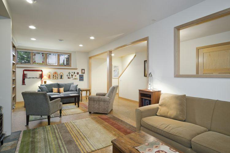 Family Room Photo #31