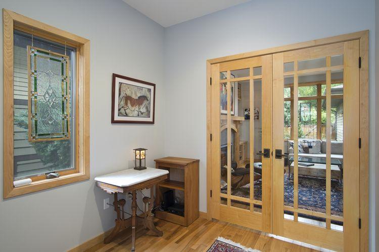 Foyer Photo #8