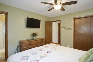 Bathroom4506 Camden Rd Photo 11