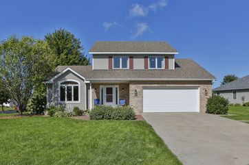 2241 Meadow Green Stoughton, WI 53589 - Image 1