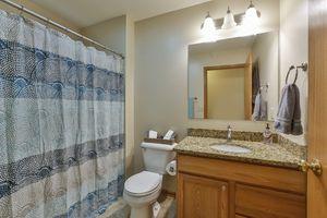 Bathroom2241 Meadow Green Photo 25