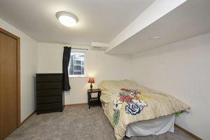 Bedroom2241 Meadow Green Photo 29