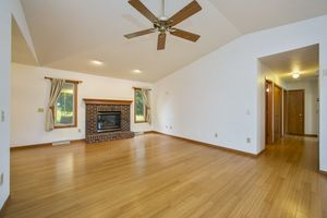 Bamboo flooring!1357 Broadway Dr Photo 4
