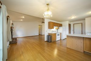 Great kitchen space1357 Broadway Dr Photo 6