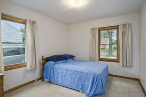 Bedroom3737 Johns St Photo 12