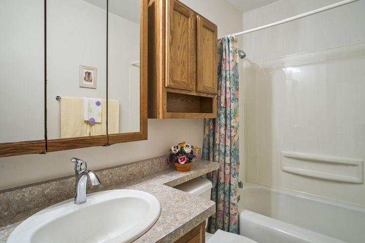 Bathroom Photo #17