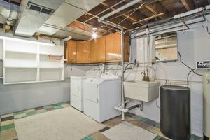 Laundry Room3737 Johns St Photo 18