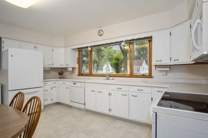Kitchen3737 Johns St Photo 8