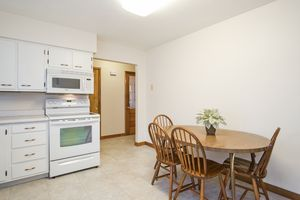 Kitchen3737 Johns St Photo 9