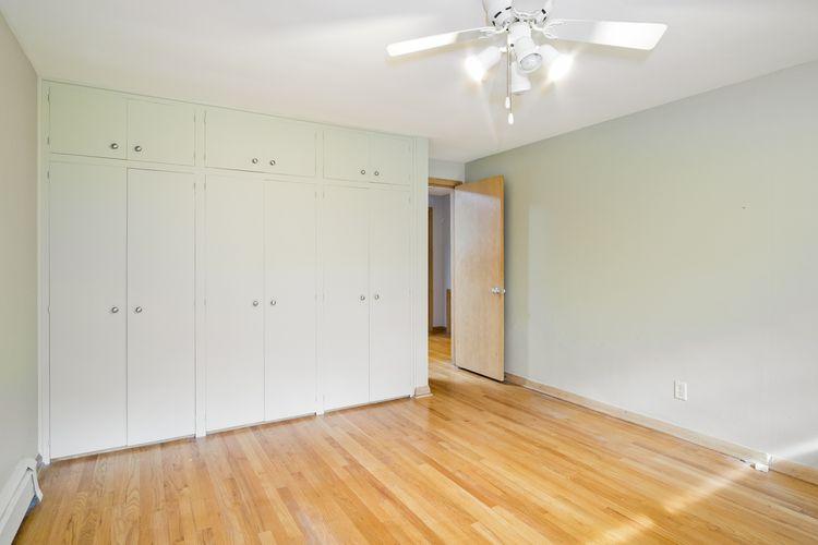 Foyer Photo #28