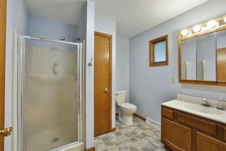 Bathroom Photo #13