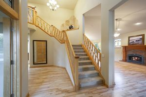 Stairwell9806 Red Sky Dr Photo 13