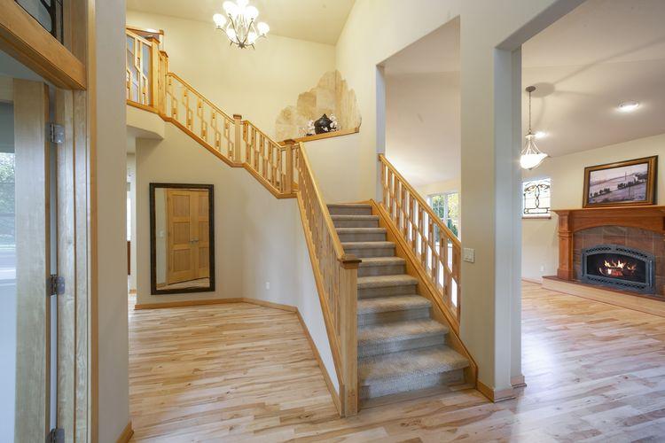 Stairwell Photo #13