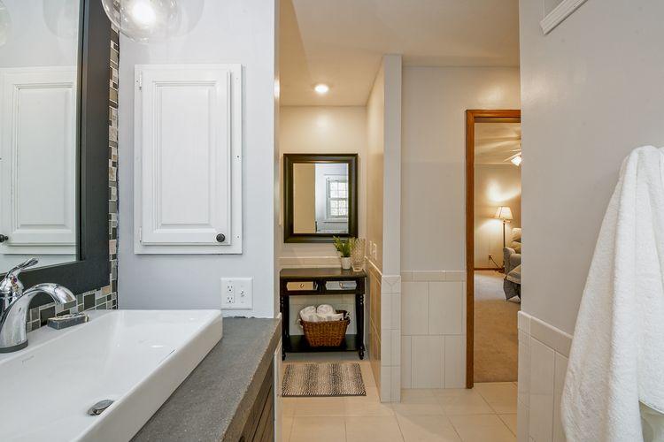 017-photo-bathroom-7689027.jpg Photo #17
