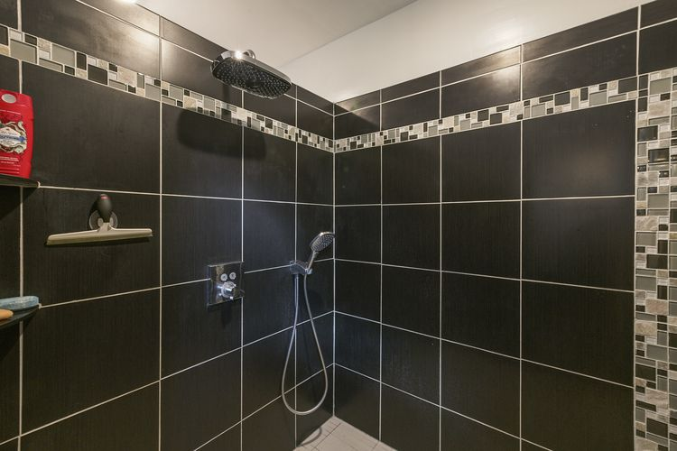 019-photo-bathroom-7689024.jpg Photo #19