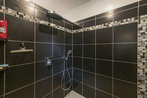 019-photo-bathroom-7689024.jpg9 Canvasback Cir Photo 19