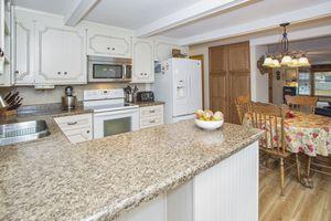 Kitchen2751 Yahara Rd Photo 8