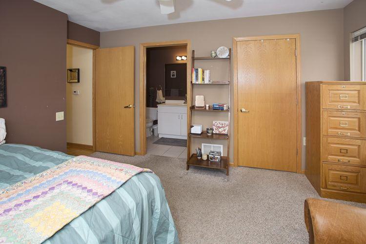 626 E Mifflin St Photo