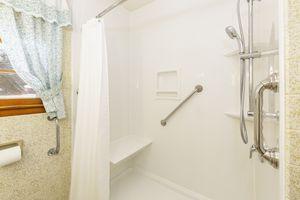 Bathroom4103 Drexel Ave Photo 16