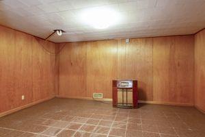 Recreation Room4103 Drexel Ave Photo 18