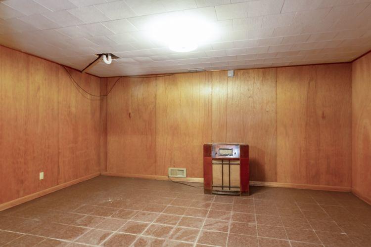 Recreation Room Photo #18