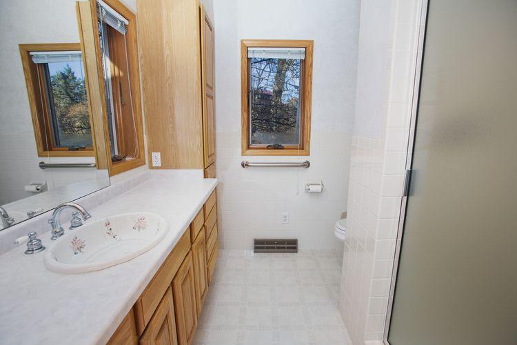 Bathroom Photo #27