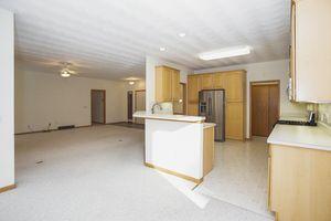 Kitchen2103 W Glenmoor Ln Photo 5