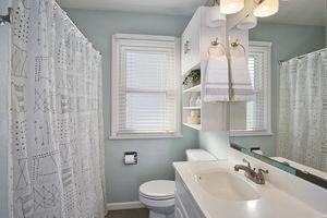 Bathroom4810 Rothman Pl Photo 22