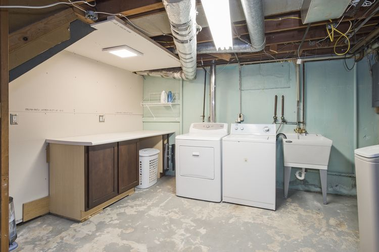 Laundry Room Photo #31