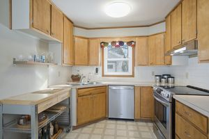 Kitchen4810 Rothman Pl Photo 9