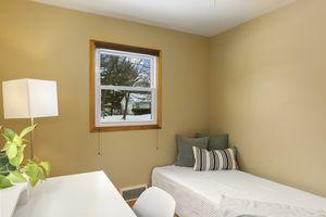 Bedroom6812 Franklin Ave Photo 17