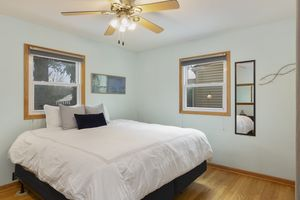 Bedroom6812 Franklin Ave Photo 19