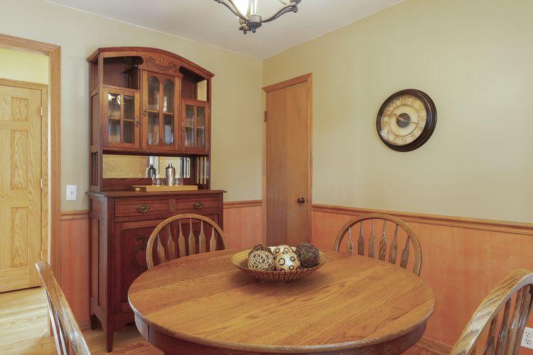 Dining Room Photo #7