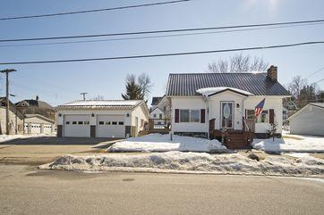 213 Cedar St Elroy, WI 53929 - Image 1