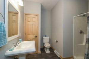 Bathroom3105 Kirkwall St Photo 18
