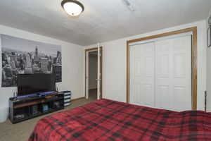 Office/Bedroom900 Roosevelt St Photo 20