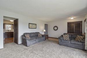 Living Room900 Roosevelt St Photo 3