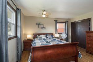 Master Bedroom900 Roosevelt St Photo 7